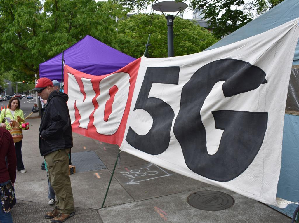Did Switzerland Just Halt 5G Wireless Over Health Problems?, Smombie Gate | 5G | EMF
